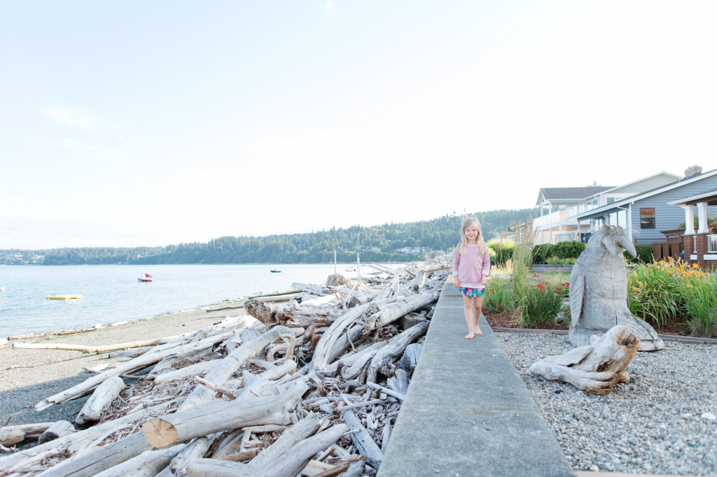 "<a href=""http://stanwood-camano-windermere.withwre.com/driftwood-shores""><h4>Driftwood Shores</h4> Camano Island</a>"