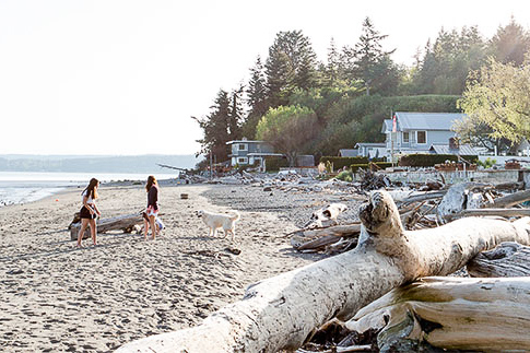 "<a href=""http://stanwood-camano-windermere.withwre.com/juniper-beach""><h4>Juniper Beach</h4> Camano Island</a>"